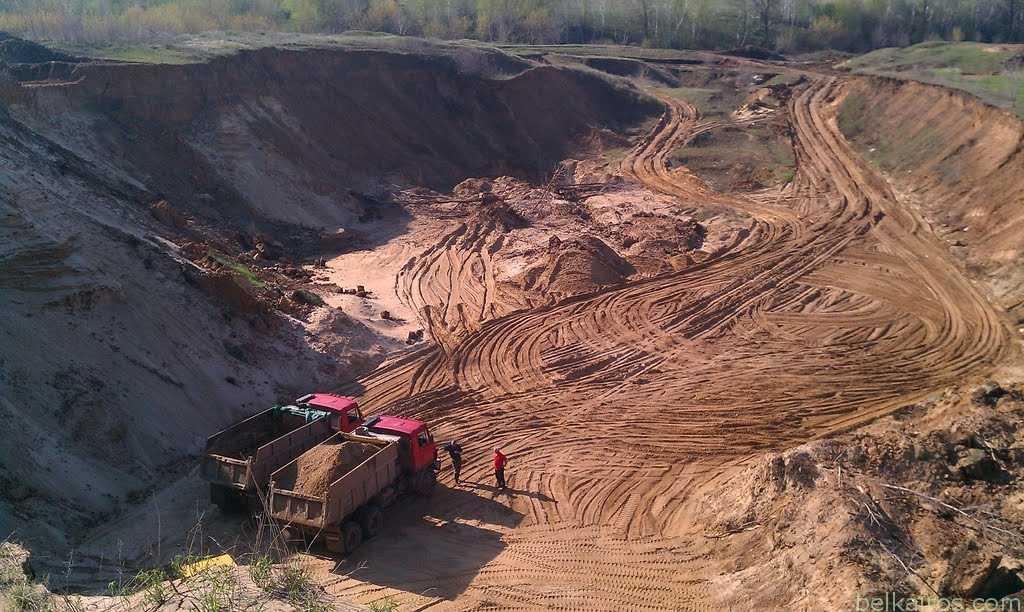 Промышленная добыча песка