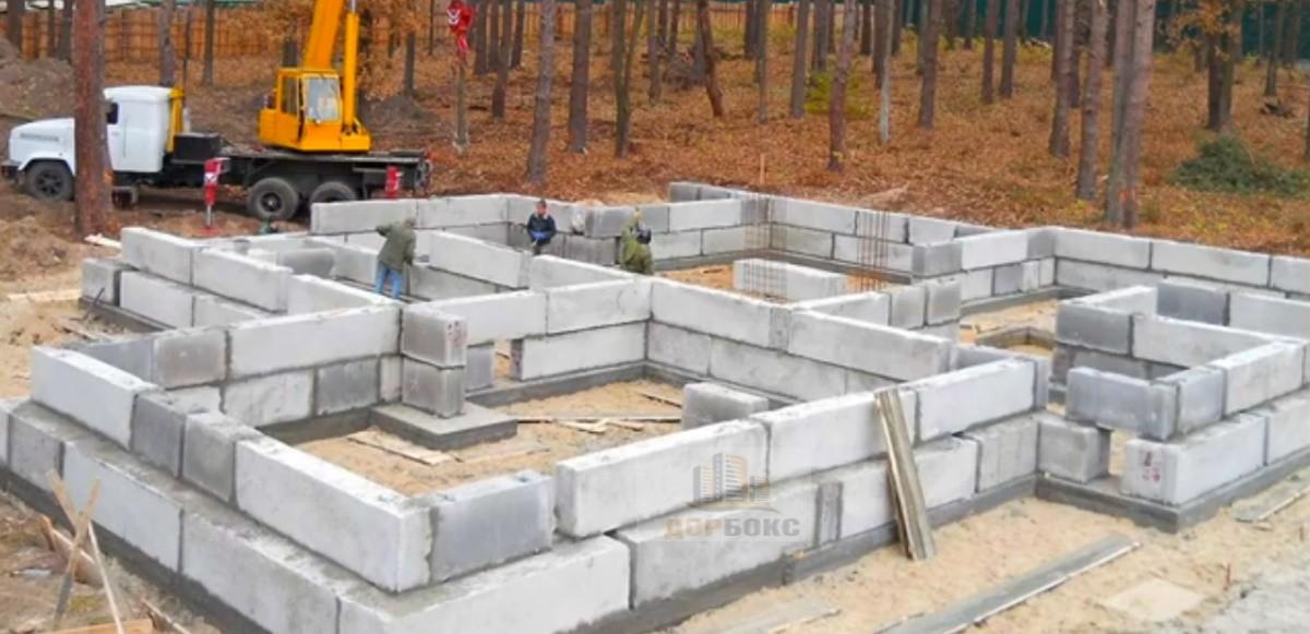 Строительство фундамента дома из блоков ФБС в Беларуси