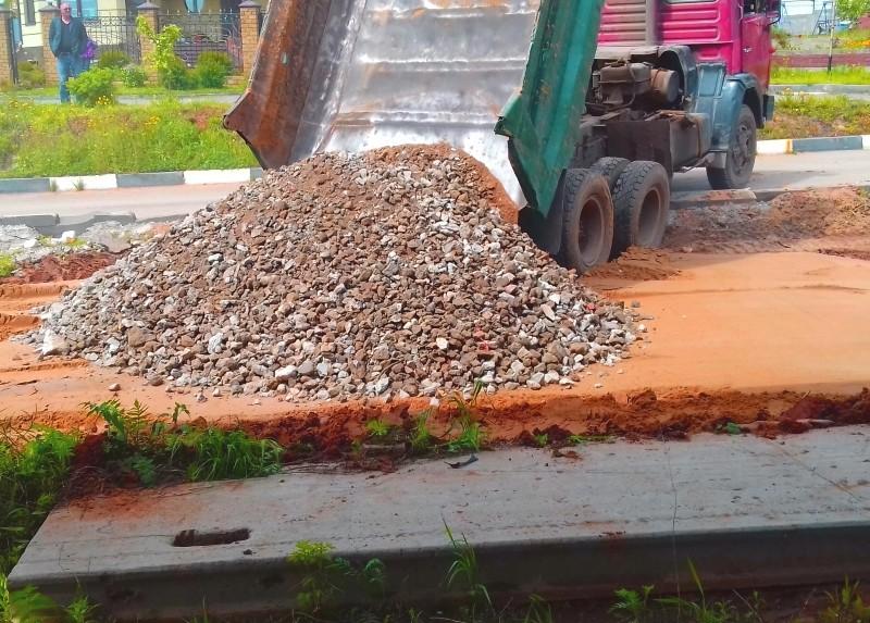 Щебень вторичный дробленый с доставкой по Минску и Минской области. Фото